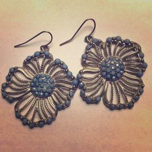 Jewelry - Blue flower earrings